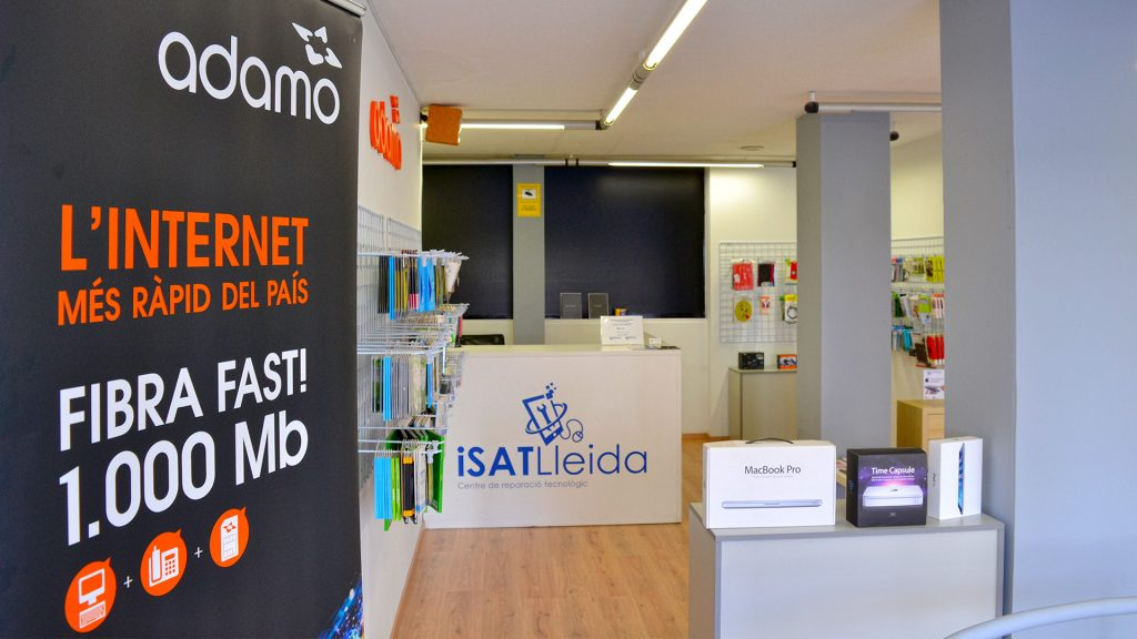 Adamo fibra Lleida iSAT Lleida